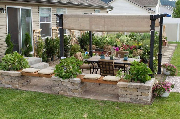 Patio decorating ideas decor designs for Pictures of decorated small patios