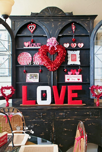 Valentine home decorating ideas for Valentines room decor