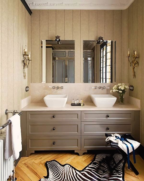 skin-color-bathroom