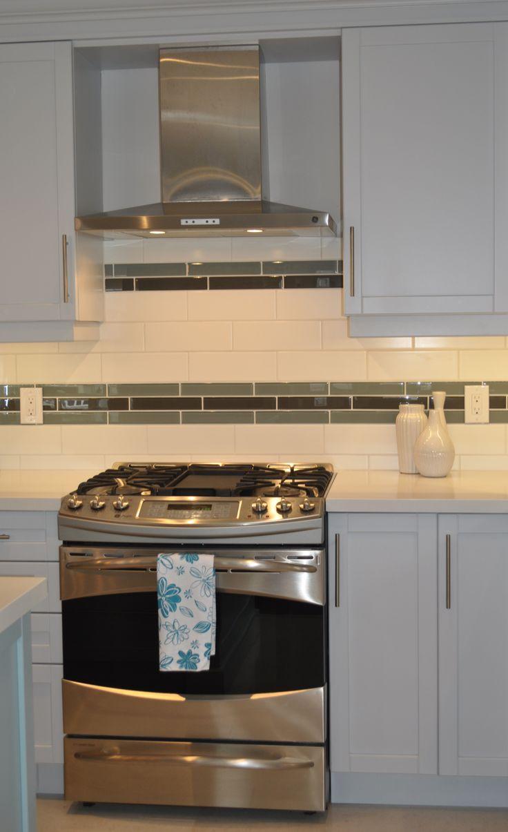 Kitchen backsplash ideas for Glass tiles for kitchen backsplashes pictures