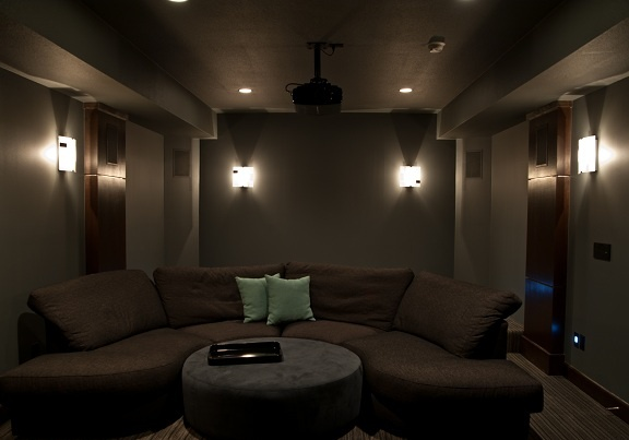 adjustable-lighting-home-cinema
