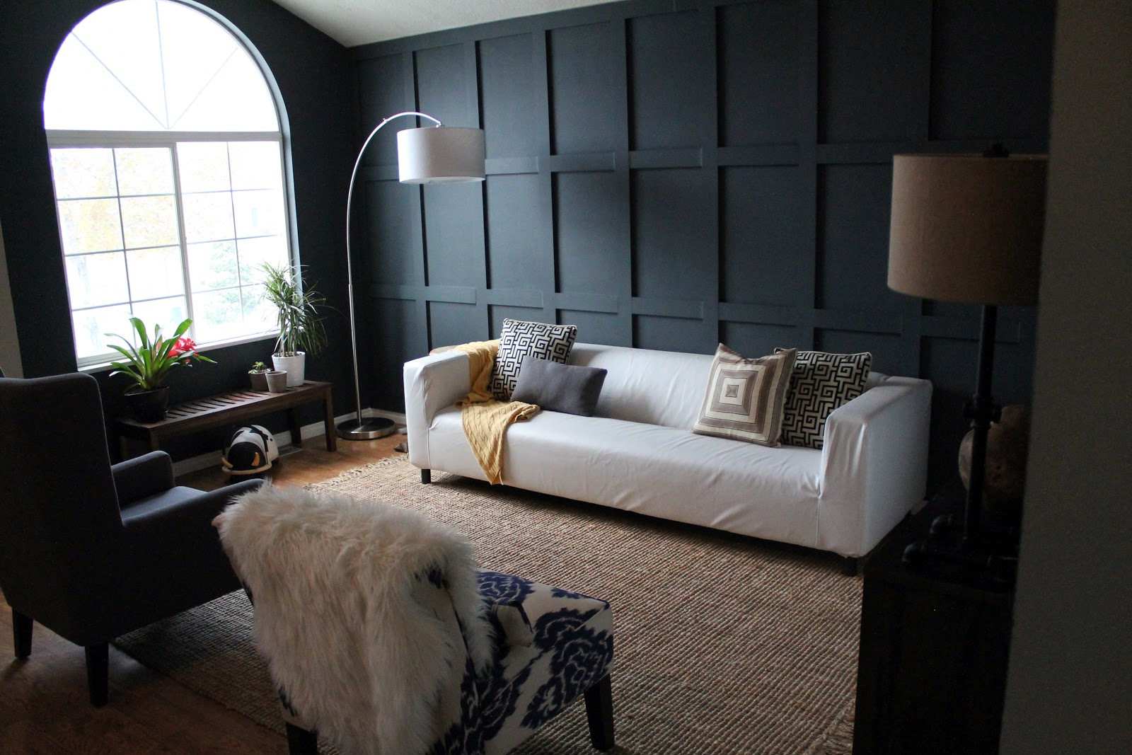Wainscoting ideas for Dark wall ideas